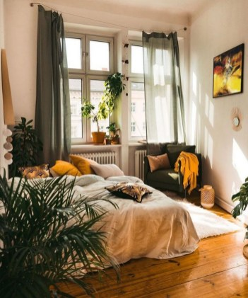 35 Romantic Bedroom Ideas 1