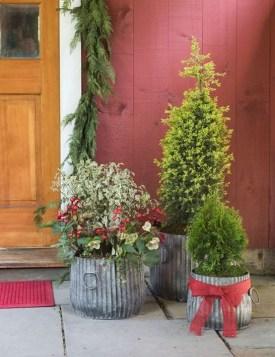 38 Farmhouse Style Front Porch Ideas 23