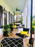 38 Farmhouse Style Front Porch Ideas 4