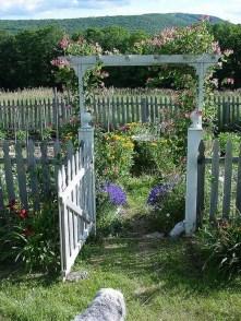 39 Inspired Garden Gates For A Beautiful Backyard 14