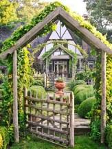 39 Inspired Garden Gates For A Beautiful Backyard 20