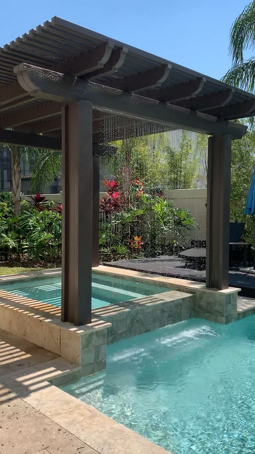 40 Fascinating Pool House Ideas 20