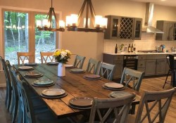 41 Rustic Dining Rooms That Will Make Your Farmhouse Shine 30