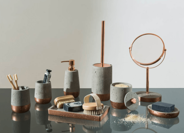 35 Five Choices Of Materials For A Cheap Or Luxury Bathroom Accessories Sets