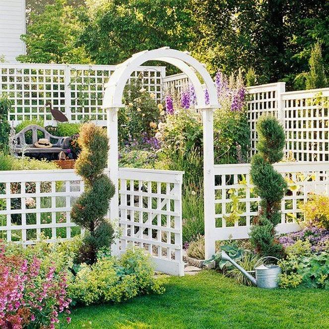 10 Gorgeous Garden Gate Home Decor 16
