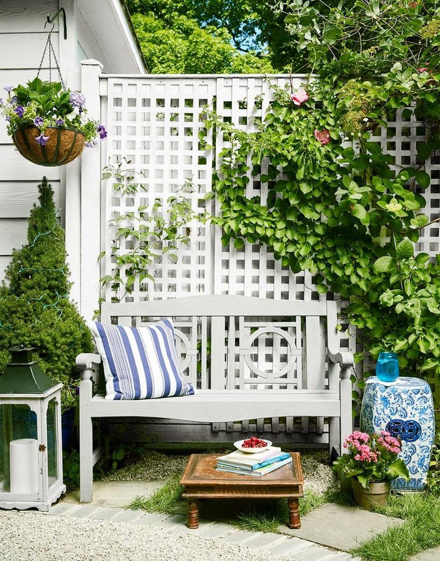 10 Gorgeous Garden Gate Home Decor 6
