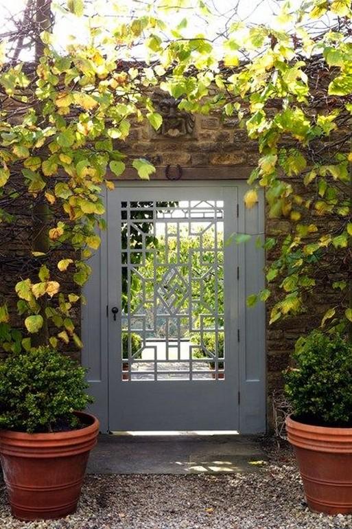 10 Gorgeous Garden Gate Home Decor 8
