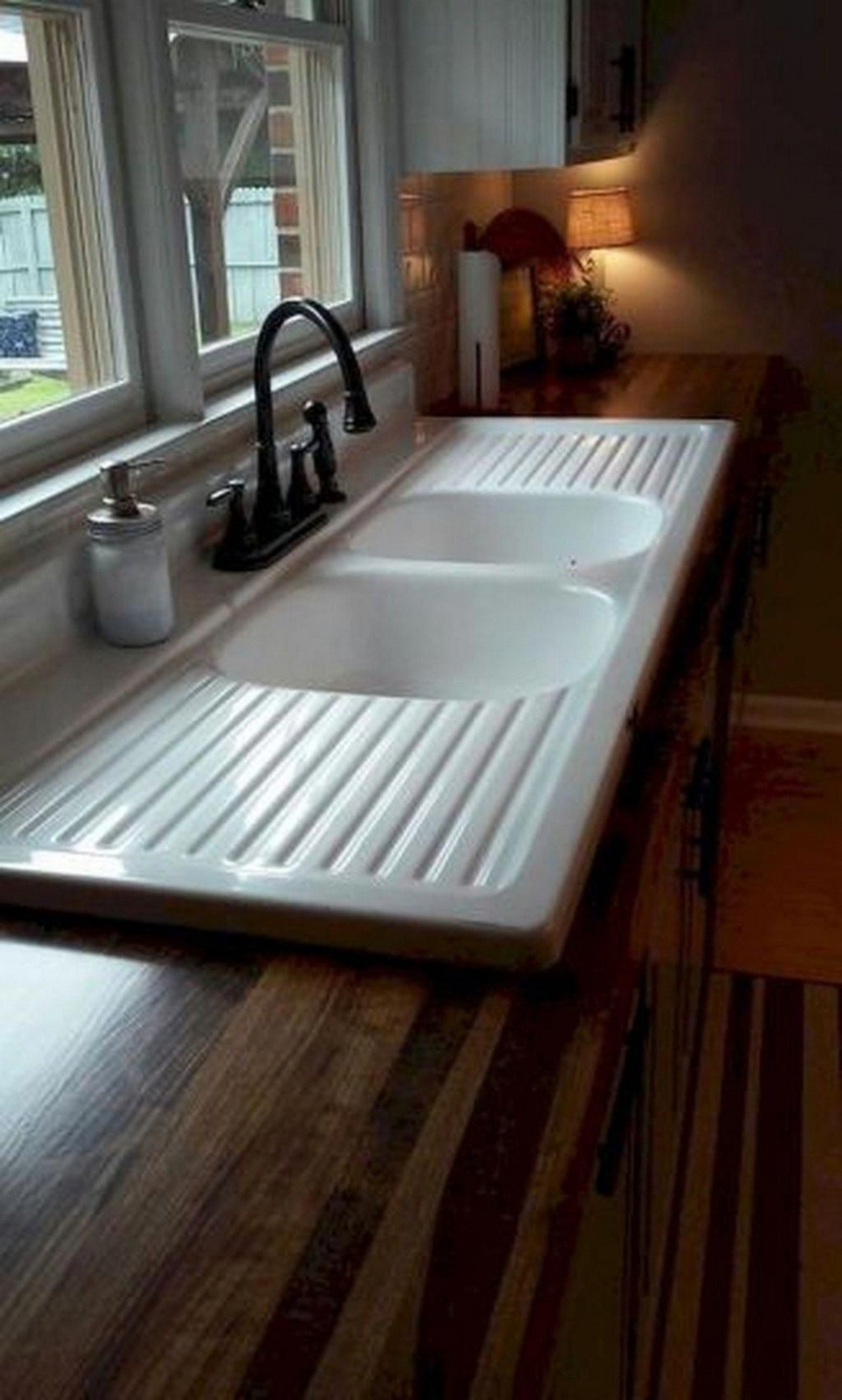 74 Things A Farmhouse Kitchen Sink Can Do For You Home Decor 25