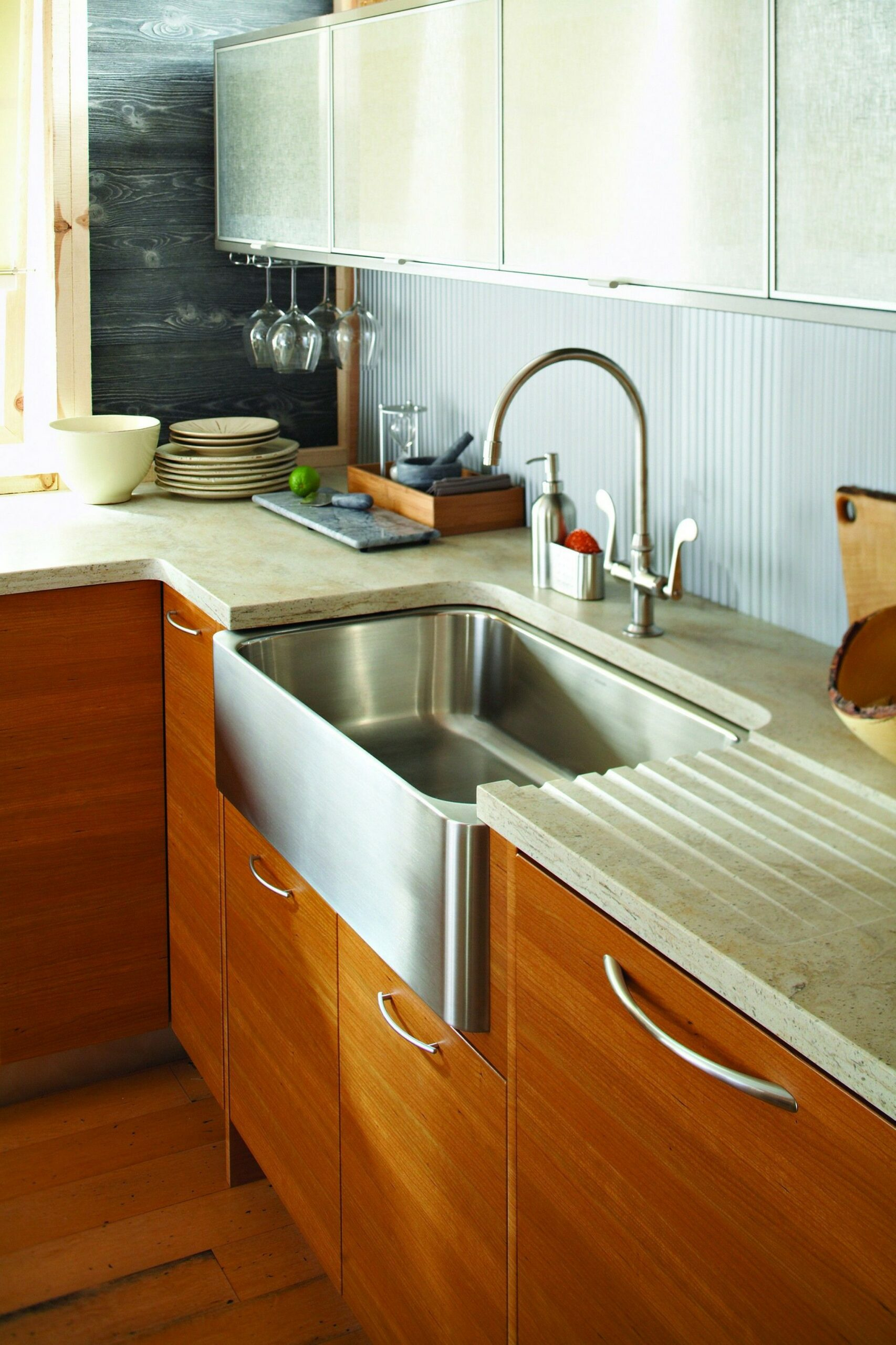 74 Things A Farmhouse Kitchen Sink Can Do For You Home Decor 26