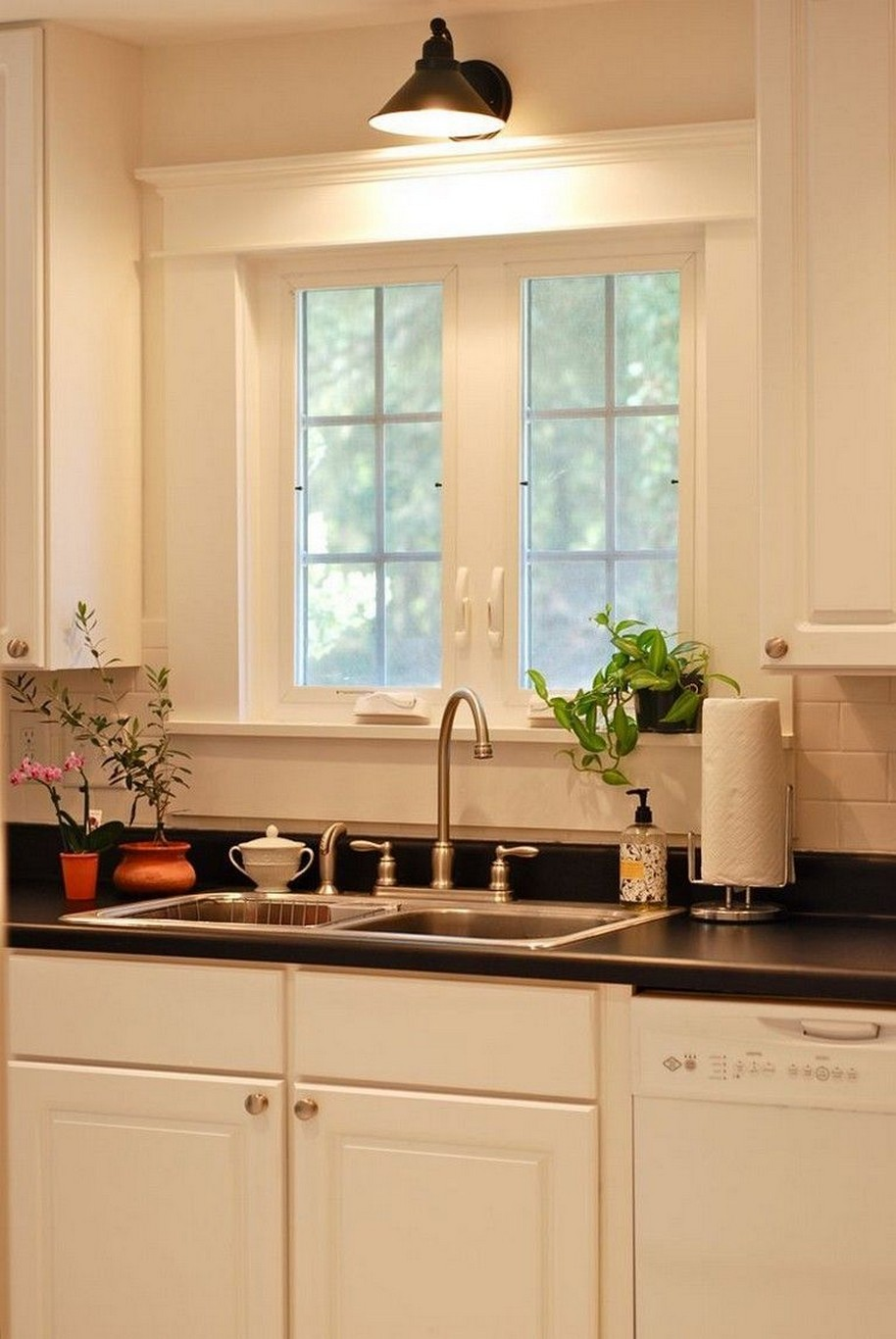 74 Things A Farmhouse Kitchen Sink Can Do For You Home Decor 35