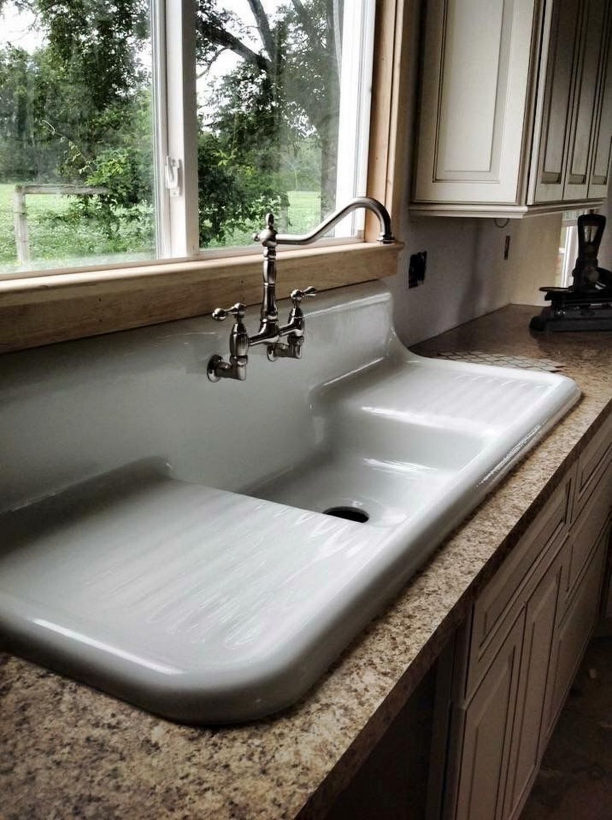 74 Things A Farmhouse Kitchen Sink Can Do For You Home Decor 6