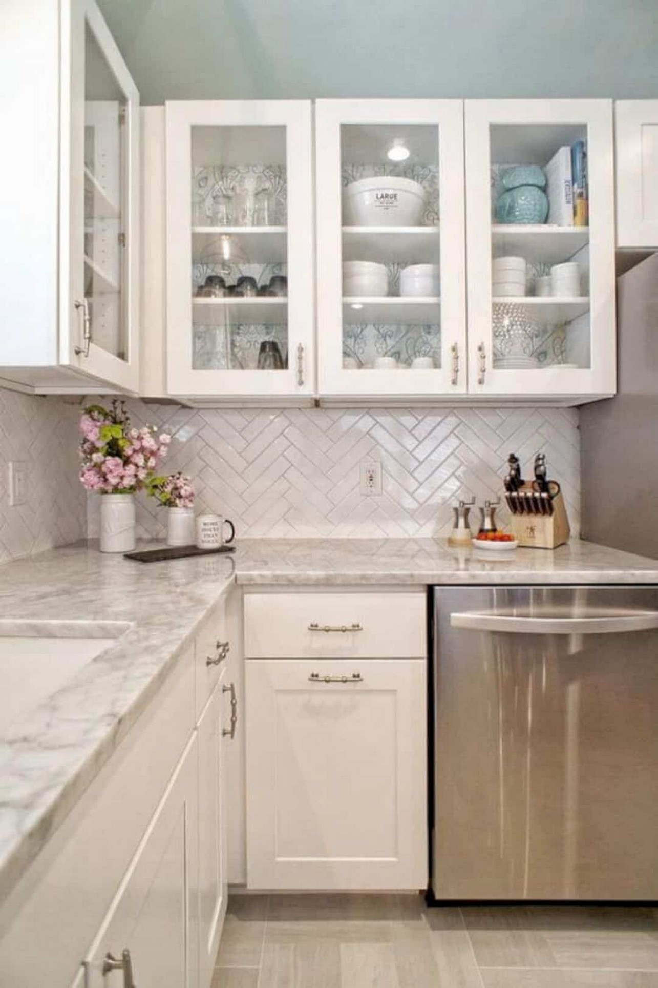 86 Some Small Kitchen Ideas To Help You Do Up Your Kitchen 35