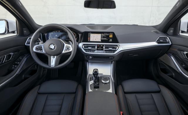 2022 BMW 3 Series Wagon Interior