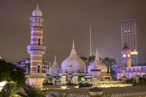 KL Mosque at Night