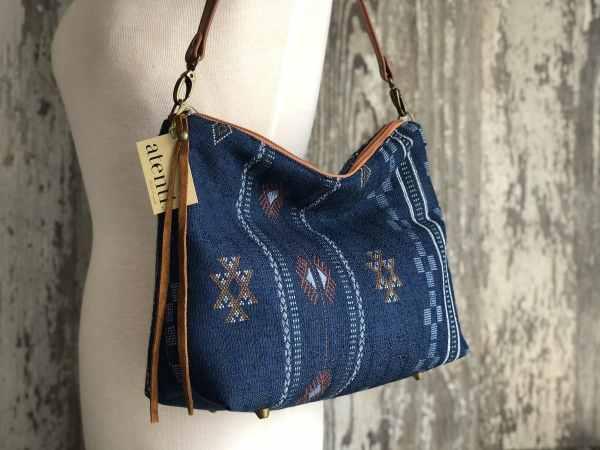 Atenti Borsa Bag, Dream Weaver Yarns LLC