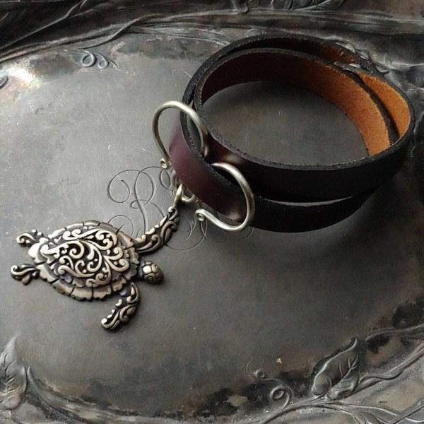 JUL Sea Turtle Oxbow Double-Wrap Charm Lock Cuff, Dream Weaver Yarns LLC