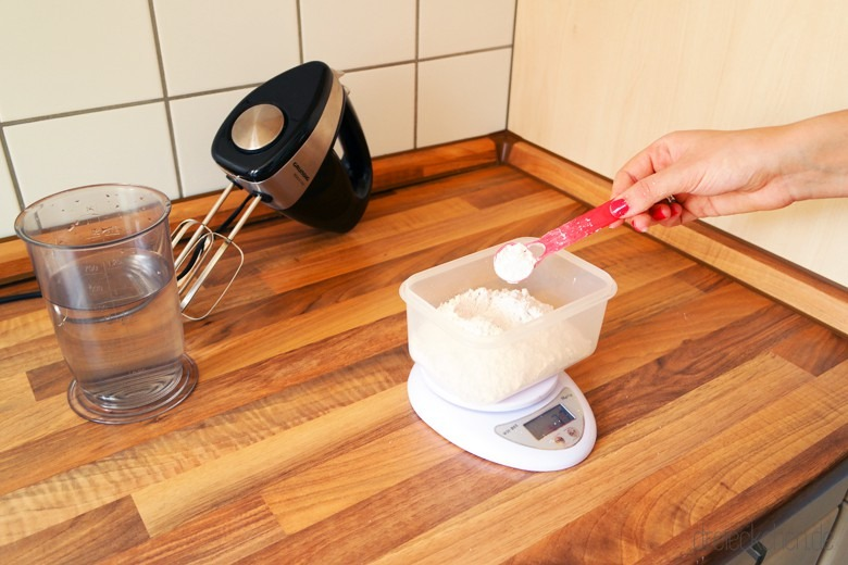 Babyabdruck anfertigen mit Alginat und Gips