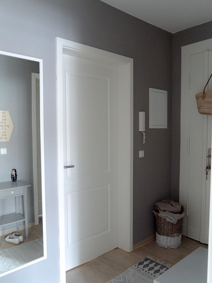 living warum du kleine r ume in dunklen farben streichen. Black Bedroom Furniture Sets. Home Design Ideas