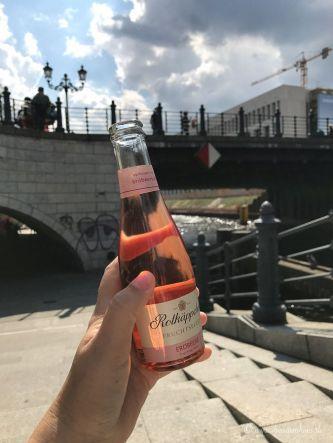 Einmal Berlin zum mitnehmen bitte Rotkaeppchen Fruchtsecco Sommertour-187