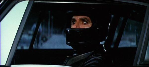 Krokov (Oliver Reed) dans Condorman