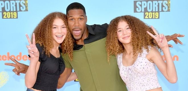 Michael Strahan and twin daughters Sophia and Isabella
