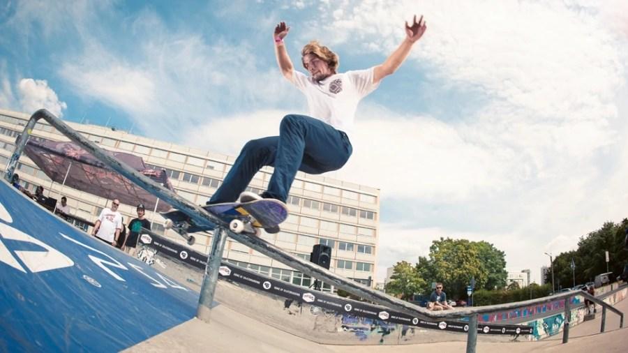 Skater at Lingerallee in Dresden