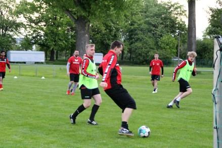 Männer-Mannschaften wieder im Training