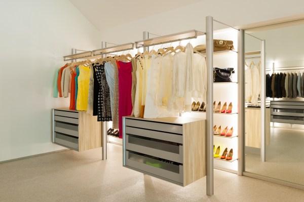 Open dressing met led verlichting, glas, aluminium en volkern
