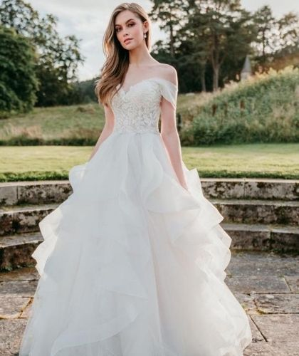 "Buy Sell Wedding Dress Sharjah UAE Allure Bridals A-Line Wedding Dress Style C561 Offwhite Organza Sweetheart Neckline, Size UK 10, Medium "" Buy Sell Wedding Dress Sharjah UAE Allure Bridals A-Line Wedding Dress Style C561 Offwhite Organza Sweetheart Neckline, Size UK 10, Medium"">"