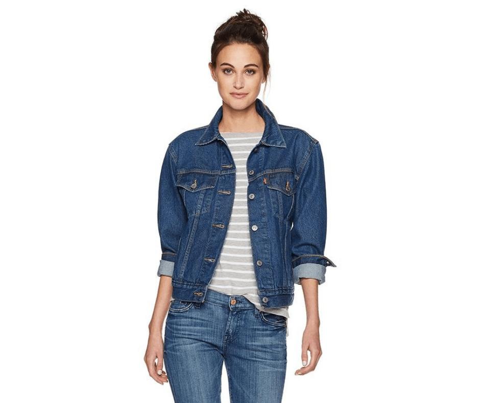 April Favorites - Levi's ex-boyfriend trucker jacket in Neu blue