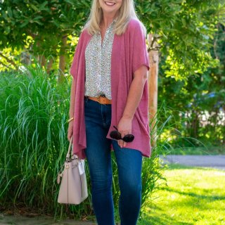 Transition Into Fall with a Textured Kimono