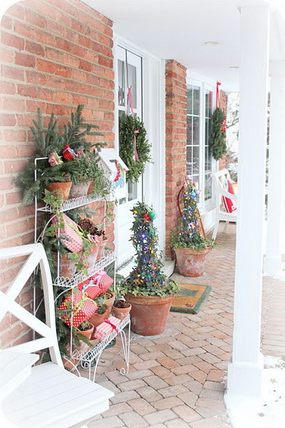Christmas-Porch-Decorating-Ideas_13.jpg