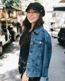 Denim jacket for women street style ideas (45)