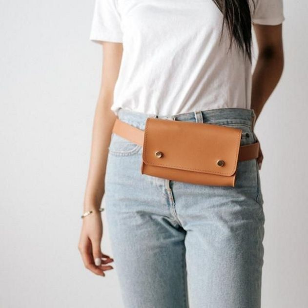 Gigipip.com Belt: Fannypack Outfits Street Style Ideas