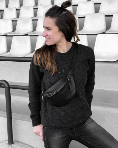 How To Style A Fanny Pack. 15.6K Volgers (@daphnyraesfashion)