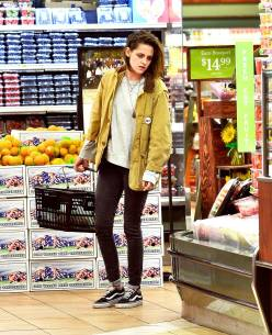 Kristen Stewart in a Gorgeous Fashion - 003 | Fashion DressFitMe