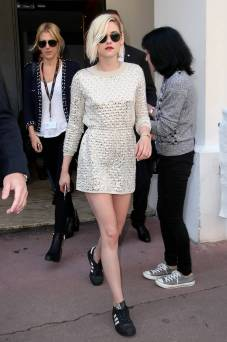 Kristen Stewart in a Gorgeous Fashion - 020 | Fashion DressFitMe
