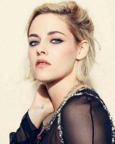 Kristen Stewart in a Gorgeous Fashion - 116 | Fashion DressFitMe