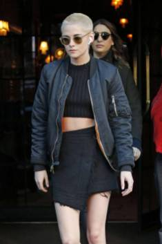 Kristen Stewart in a Gorgeous Fashion - 130 | Fashion DressFitMe