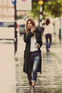 Rainy day cold weather outfit (64)