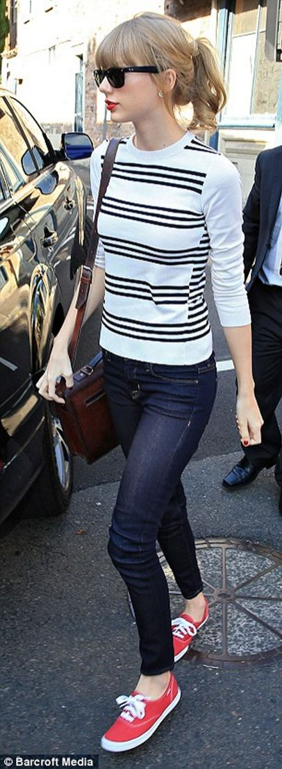 Taylor swift's most epic fashion moments 02