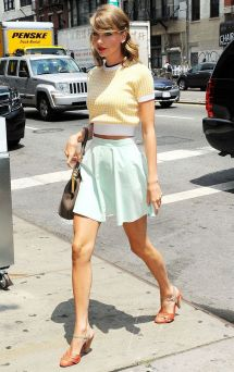 Taylor swift's most epic fashion moments 28