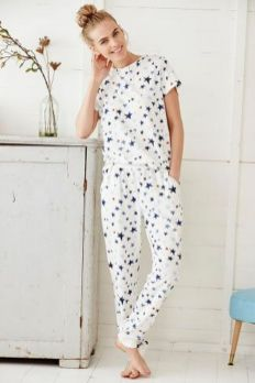 Women's pyjamas style to help you look sharp 049 fashion