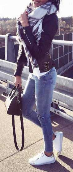 Women's white sneakers outfit 05