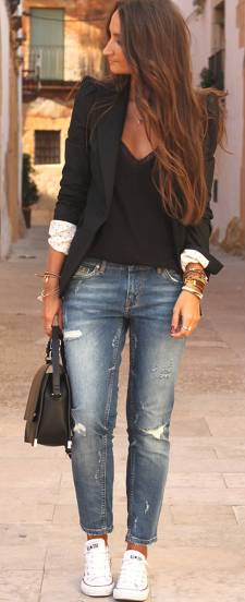 Women's white sneakers outfit 26