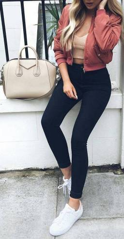 Women's white sneakers outfit 28