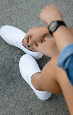 Women's white sneakers outfit 56