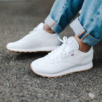 Women's white sneakers outfit 83
