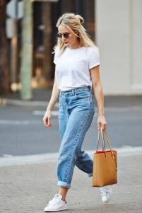 Women's white sneakers outfit 98