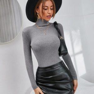 Стилен пуловер в сиво